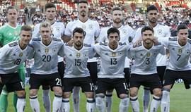 Alemanha homenageia Helmut Kohl no jogo de estreia com a Austrália