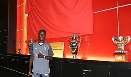 Ronaldo Camará assina contrato com o Benfica