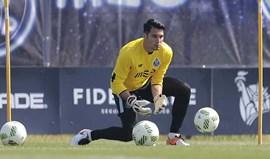 Villarreal exerce opção de compra por Andrés Fernandez