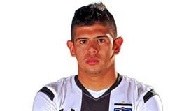 Futebolista chileno Esteban Pavez detido após acidente e fuga
