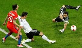 Empate deixa Alemanha e Chile a um ponto das 'meias'