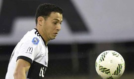 Sebastián Ferreira pisca o olho às águias