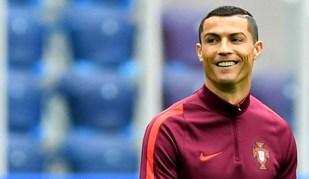 Messi está em três dos dez recordes que Ronaldo ainda procura bater