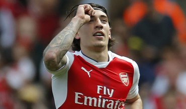 Minutos de Bellerín valem donativos para as vítimas de Londres