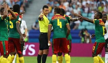 Inédito: vídeo-árbitro corrigiu decisão do árbitro duas vezes no mesmo lance