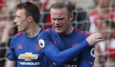 Rooney de copo na mão em Ibiza irrita adeptos do Manchester United