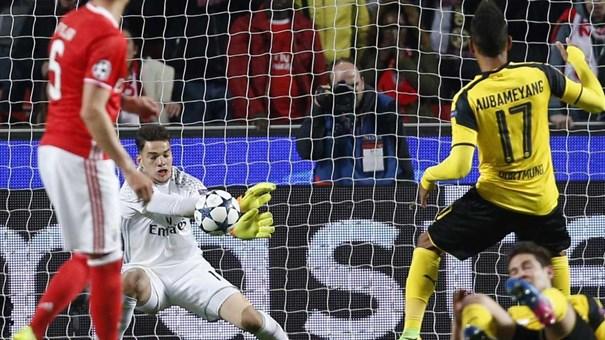 Jornal: Barcelona pode contratar lateral do Benfica por 50 milhões de euros