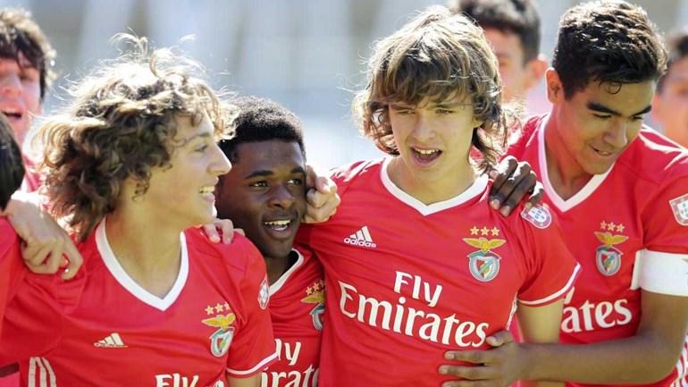 Benfica sagra-se bicampeão nacional de iniciados