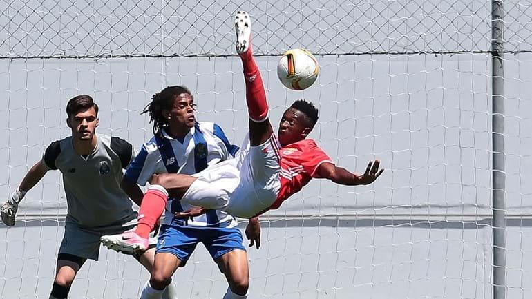 FC Porto derrota Benfica e deixa tudo em aberto para o título