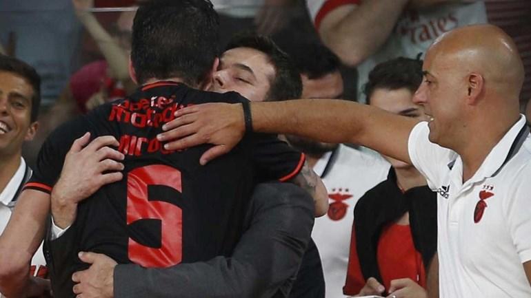 Novo homem forte do futebol do Benfica vibrou com o hóquei