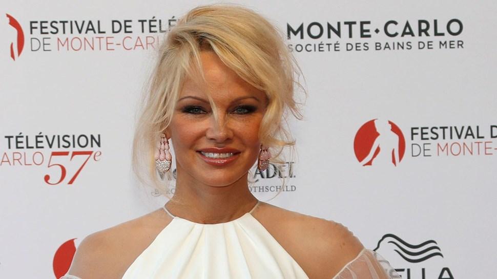 Pamela Anderson apaixonada por Adil Rami?