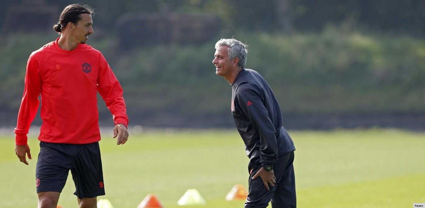 Mourinho dá nova pista sobre a continuidade de Ibra no United