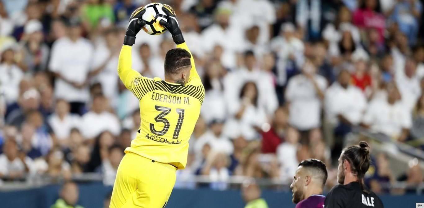 Guardiola rendido a Ederson: «Só lhe falta uma coisa...»