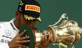 GP da Grã-Bretanha: Hamilton iguala recorde de vitórias e 'cola-se' a Vettel