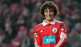 David Luiz lembra o dia em que foi o capitão mais novo da história do Benfica