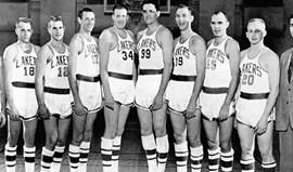 Morreu o primeiro treinador dos Lakers
