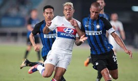 Inter derrota Lyon com João Mário em evidência