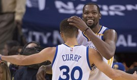Warriors oficializam renovações de Curry e Durant