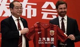 China: Dez clubes liquidam dívidas após advertência de suspensão