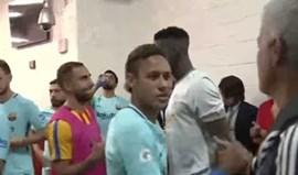 O cumprimento de Neymar e Mourinho que já está a correr mundo
