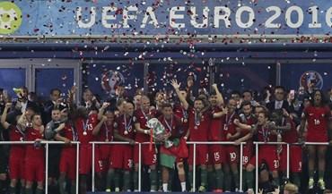 Três secretários de Estado pedem exoneração por viagens no Euro'2016