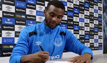 Oficial: Cuco Martina é jogador do Everton
