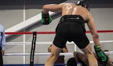 McGregor deixa aviso a Mayweather com KO à... UFC