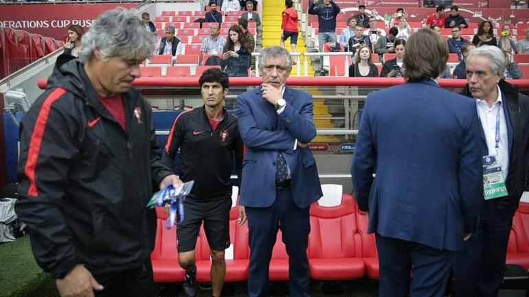 Fernando Santos: «Bem tenho saudades do Ricardo Carvalho...»