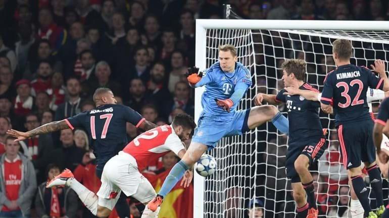 Neuer falha torneio asiático com o Bayern Munique