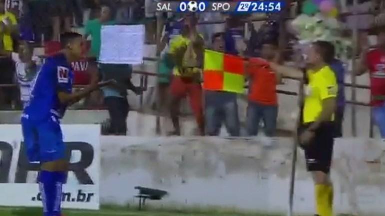 Esta decisão por vídeo-árbitro pode levar à repetição de um jogo no Brasil