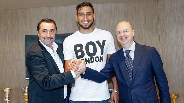 Donnarumma encerra novela e renova contrato com Milan