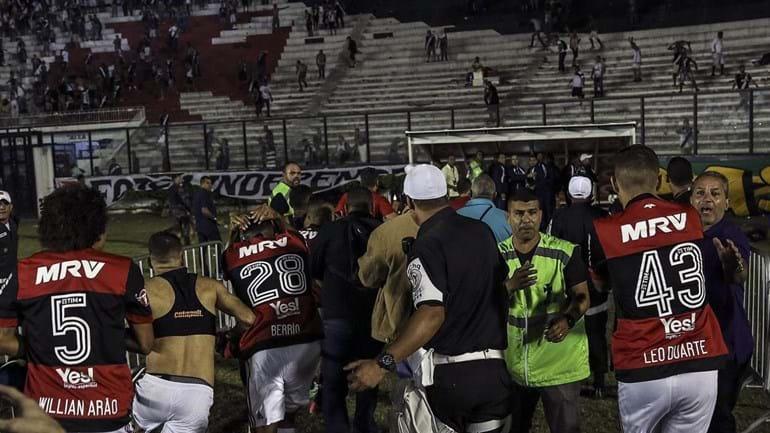 Vasco perde 6 mandos de campo por confusões em São Januário