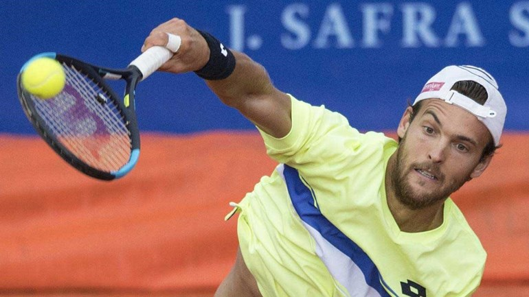 João Sousa apura-se para a segunda ronda do torneio de Gstaad