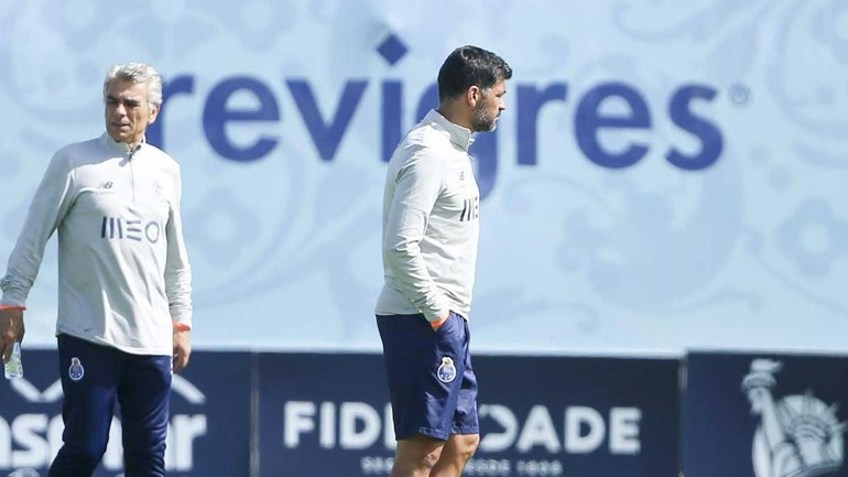 Sérgio Conceição chama Diogo Dalot para estágio no Algarve