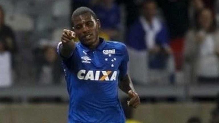 Emprestado ao Vitória, Bruno Ramires pode atuar em time português