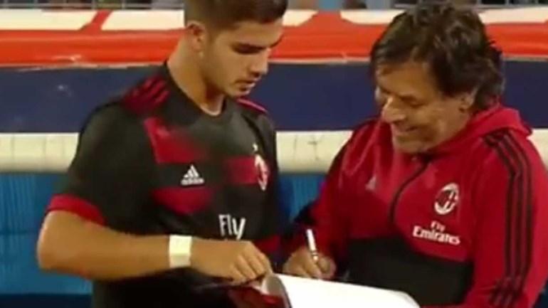 André Silva fez o primeiro jogo pelo AC Milan: Todos os lances da estreia