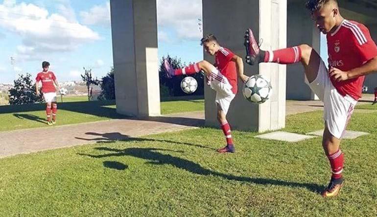 'Miúdos' do Benfica vencem prémio de habilidades da UEFA
