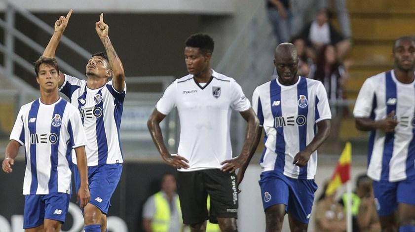 Crónica do V. Guimarães-FC Porto, 0-2: Ataque demolidor destruiu o castelo