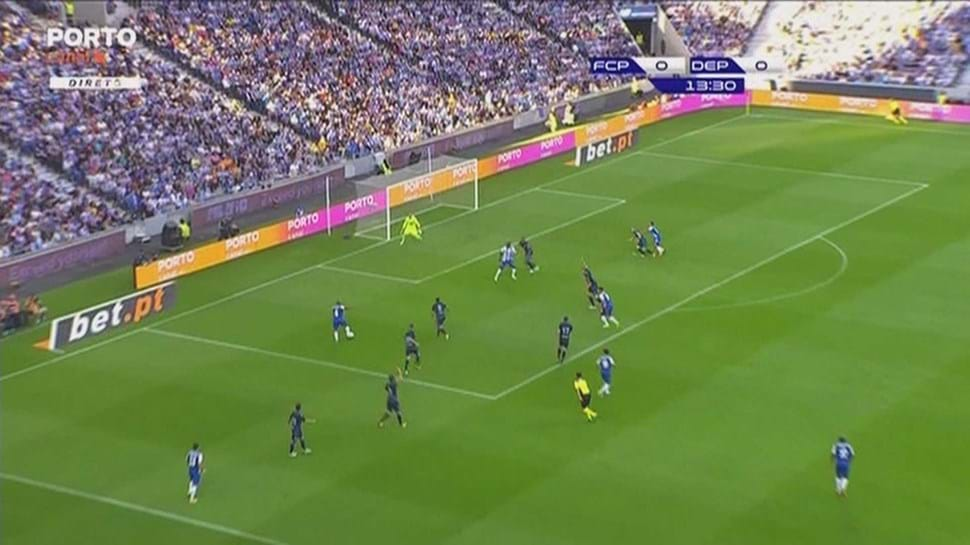 FC Porto goleia Deportivo da Corunha em jogo de apresentação