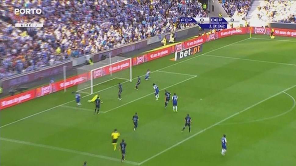 FC Porto goleia Corunha e convence em dia de apresentação
