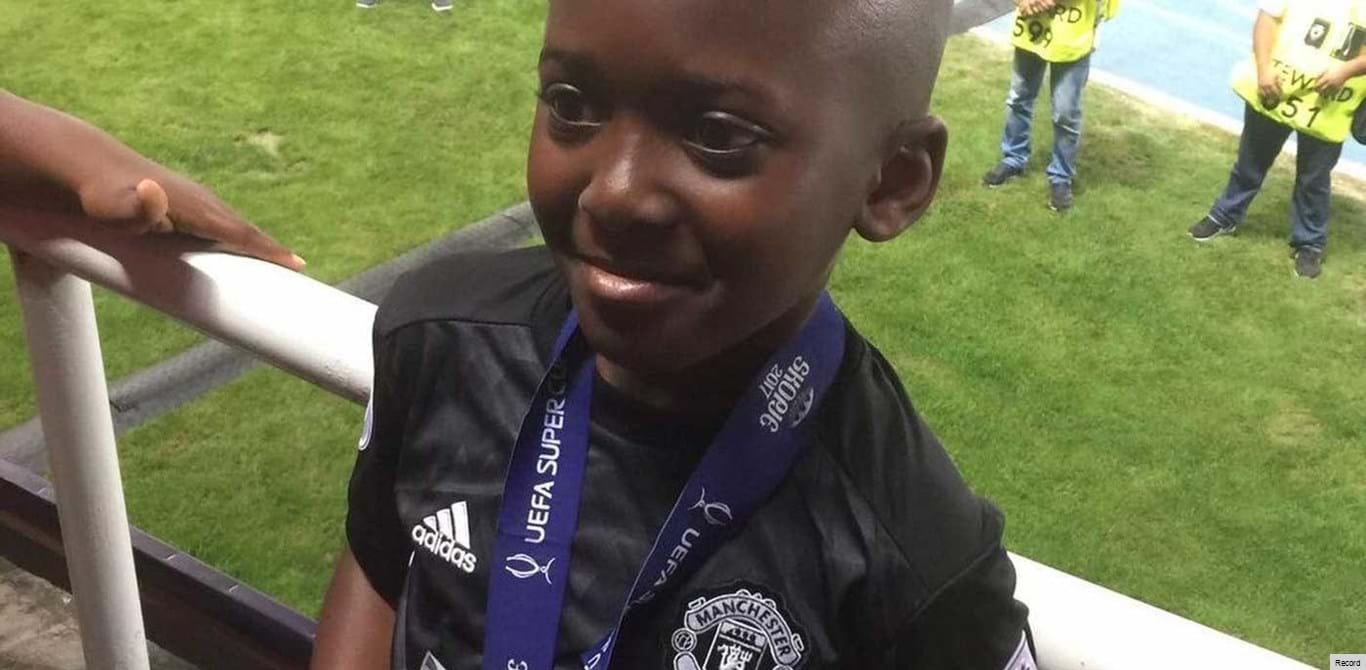 A história do miúdo que fez viagem de 16 horas para receber a medalha de Mourinho