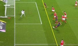 Benfica divulga imagem sobre o lance da polémica