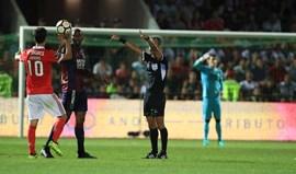 Chaves-Benfica teve direito a desconto de tempo... mas o público assobiou