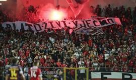 O motivo para a tarja em croata exibida pelos adeptos do Benfica