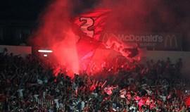 Benfica multado em quatro mil euros por uso de pirotecnia em Chaves