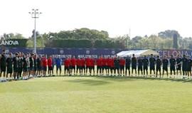 Barcelona e Espanyol cumprem minuto de silêncio
