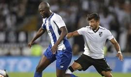 Marcação inglesa a Danilo Pereira