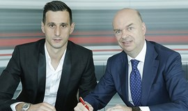 Oficial: Kalinic reforça AC Milan