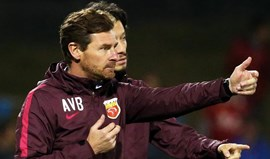 Villas-Boas goleia Scolari na Liga dos Campeões Asiáticos