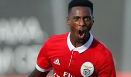 Benfica B-Varzim, 2-1: Bis de Heriberto Tavares dá vitória